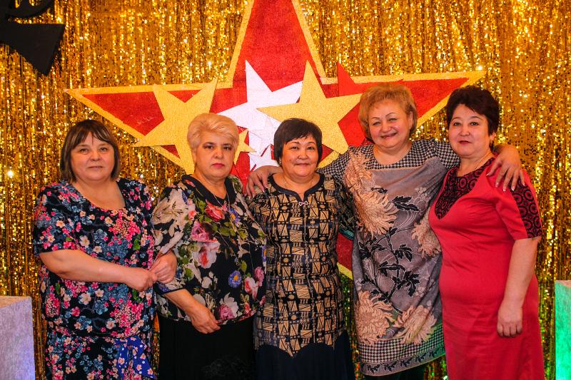 Празднование Дня Благодарности, Международного женского дня 8 марта